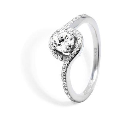 Luxusný diamantový prsteň z bieleho zlata