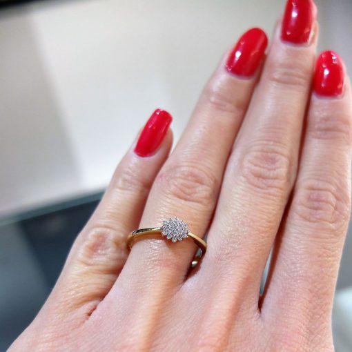 luxusný diamntový prsteň