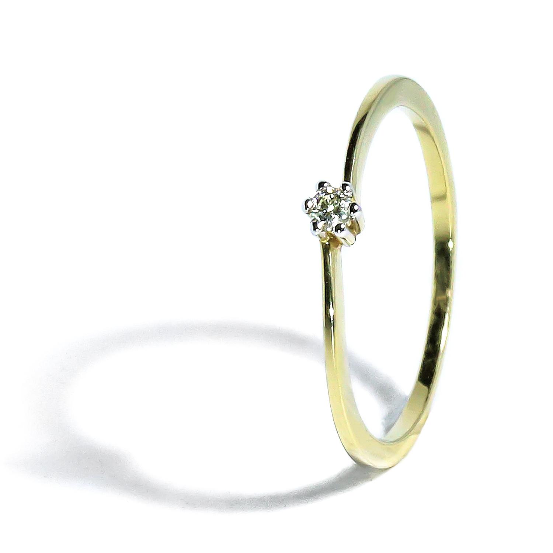 Elegantný prsteň s diamantom