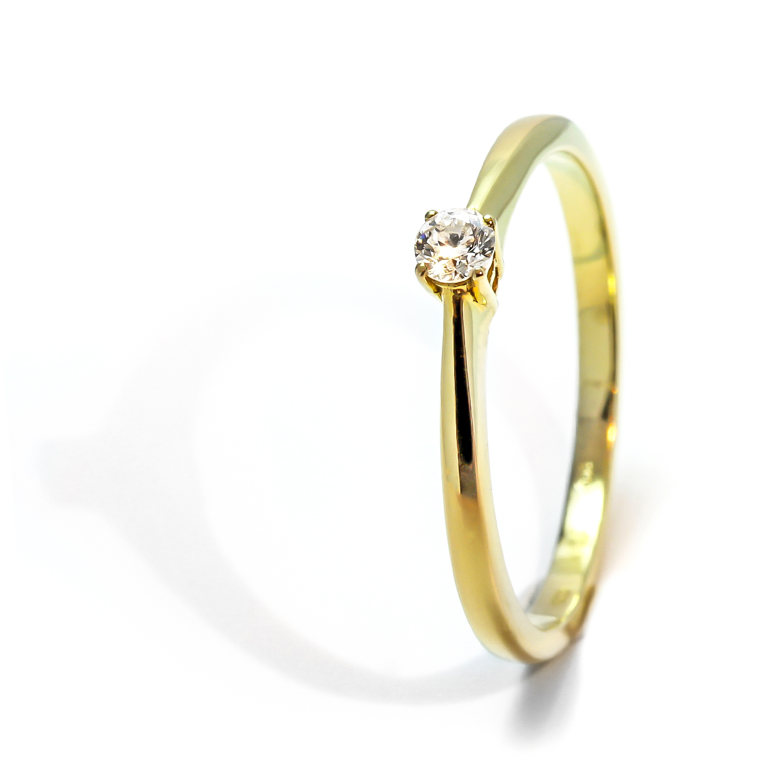 Soliter zásnubný diamantový prsteň