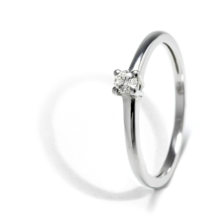 Elegantný prsteň z bieleho zlata s diamantom