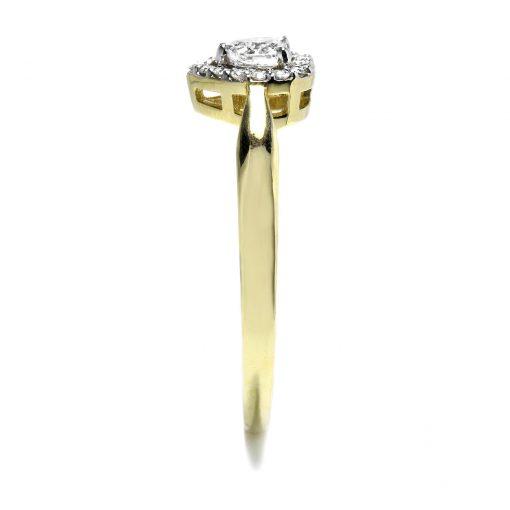 Jedinečný diamantový prsteň v tvare srdca
