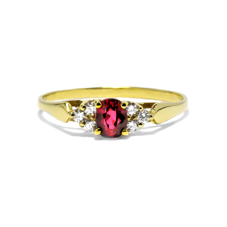 Očarujúci diamantový prsteň s Rubínom