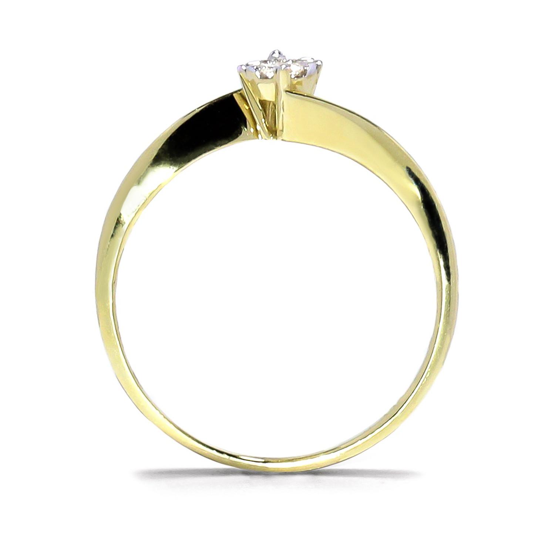 Jemný prsteň zo žltého zlata s diamantom
