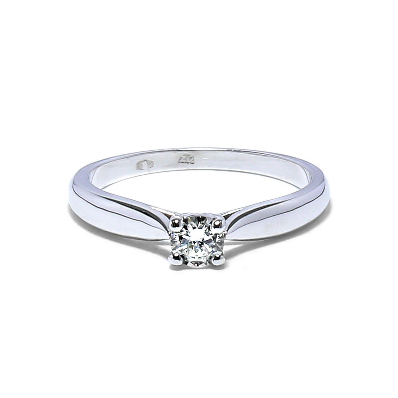 Nádherný diamantový prsteň
