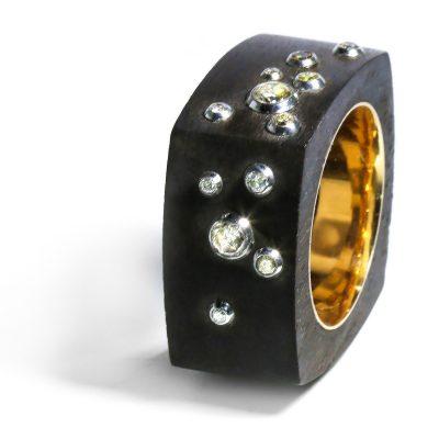 Netradičný prsteň s diamantmi Champagne
