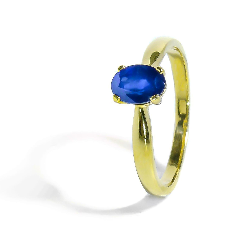 Zlatý prsteň s prírodným Zafírom
