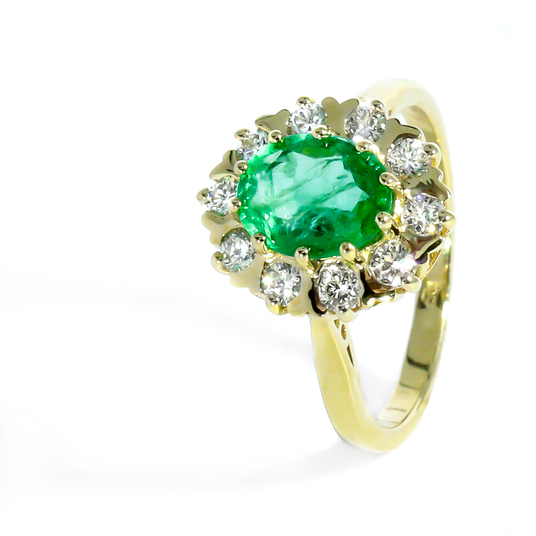 Luxusný diamantový prsteň s nádherným Smaragdom