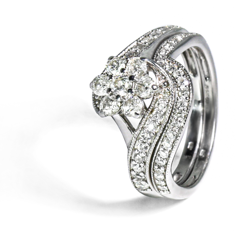 Zaujímavý diamantový prsteň 2v1