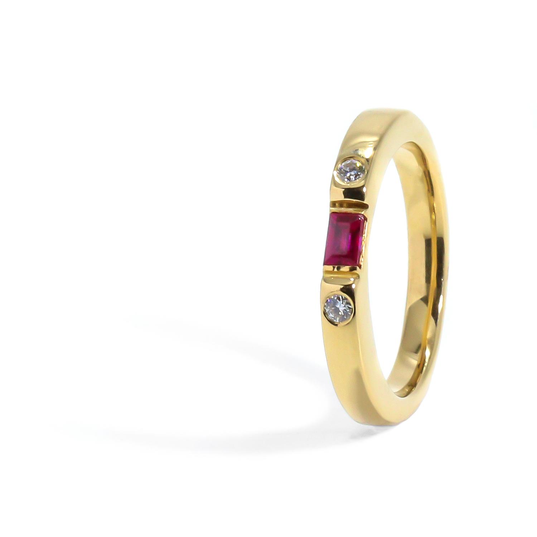 Elegantný prstienok s Rubínom a diamantmi