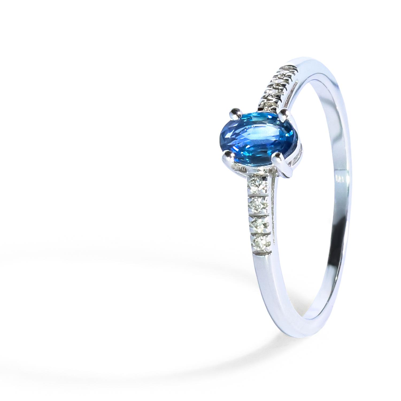 Diamantový prsteň zo Zafírom