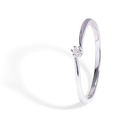 Jemný-prsteň-s-diamantom-005ct