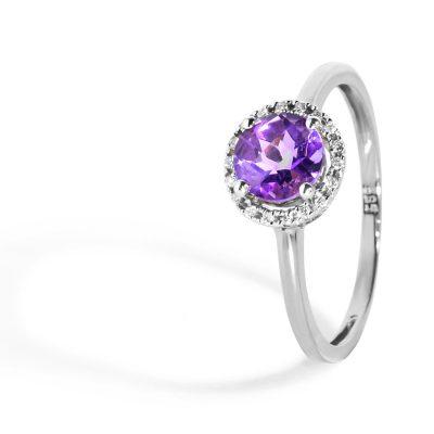 Elegantný-diamantový-prsteň-s-Ametystom-biely